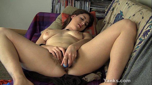 3movs novinha cachorrona se masturbando com prazer