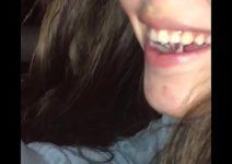 Gozando na boca da novinha brasileirinha